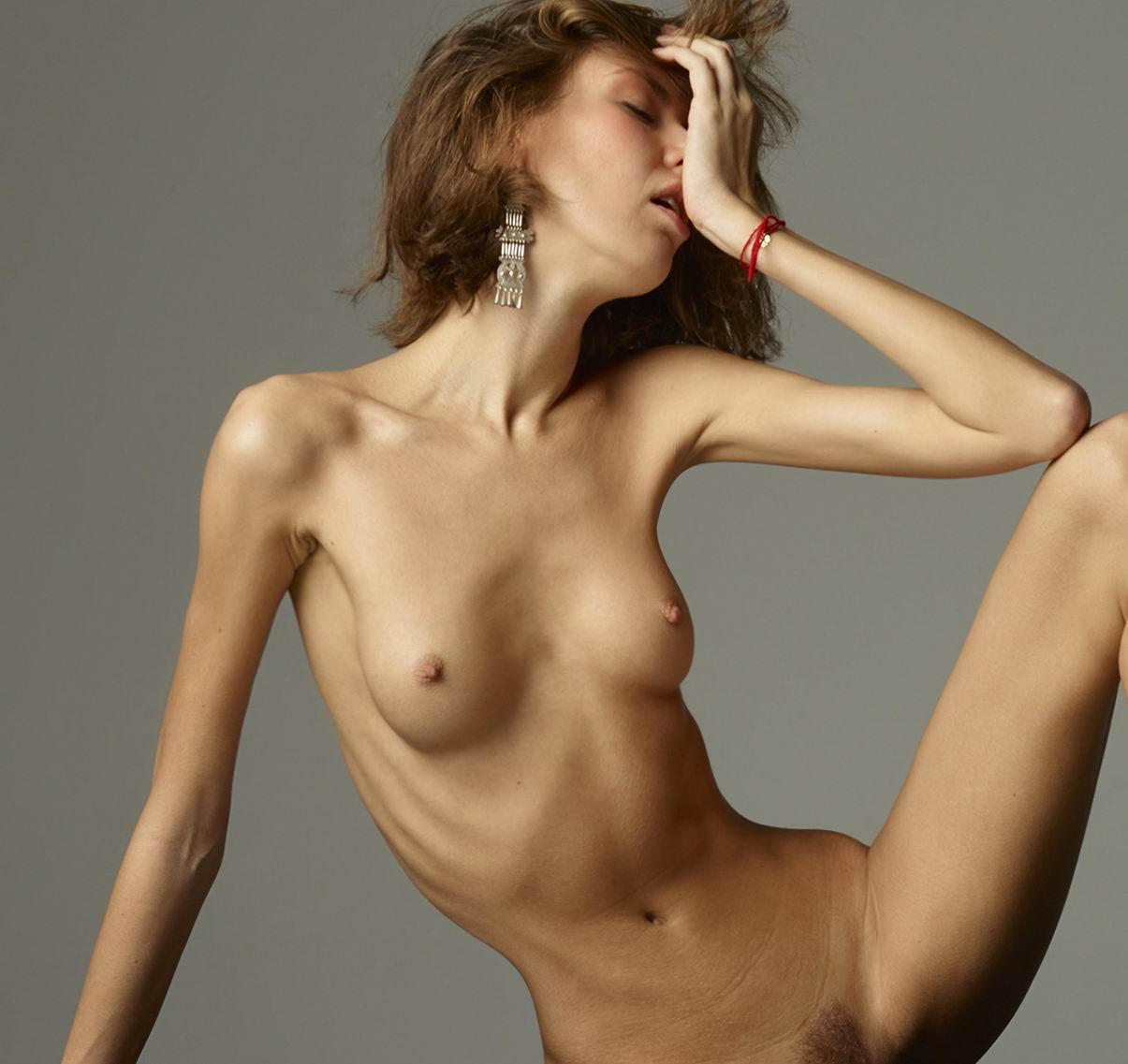 розгами худые девушки видео голые показывала свои
